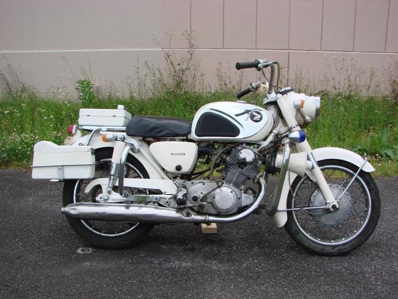 1960年代:大排気量欧州車に対峙した名車 HONDA CB77 〜Mr.Bike BG 2016年1月号『CB